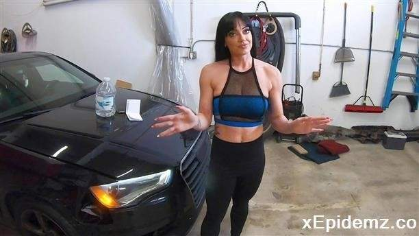 Leila Larocco - Gets A Personal Training Session For Her Tight Pussy (2020/BangRoadSideXXX/HD)