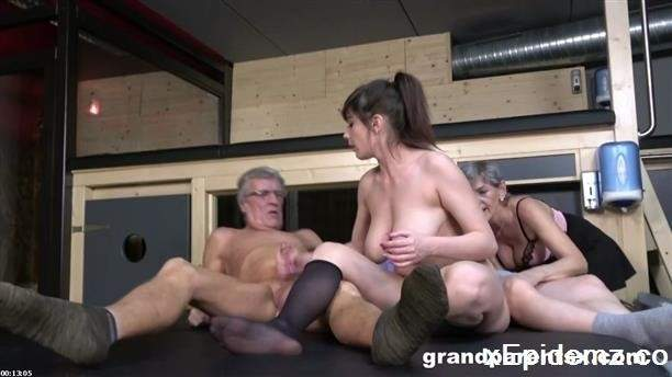 Swinging Oldies, A Young Girl - Doggystyle (2020/GrandParentsX/HD)